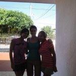 Las chicas de la casa Cortes y yo cuando estaba por irme